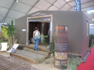 une pr sence remarqu e de mobil home rideau sur le salon. Black Bedroom Furniture Sets. Home Design Ideas